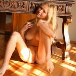 Lovely-Anne-nude-pics-7