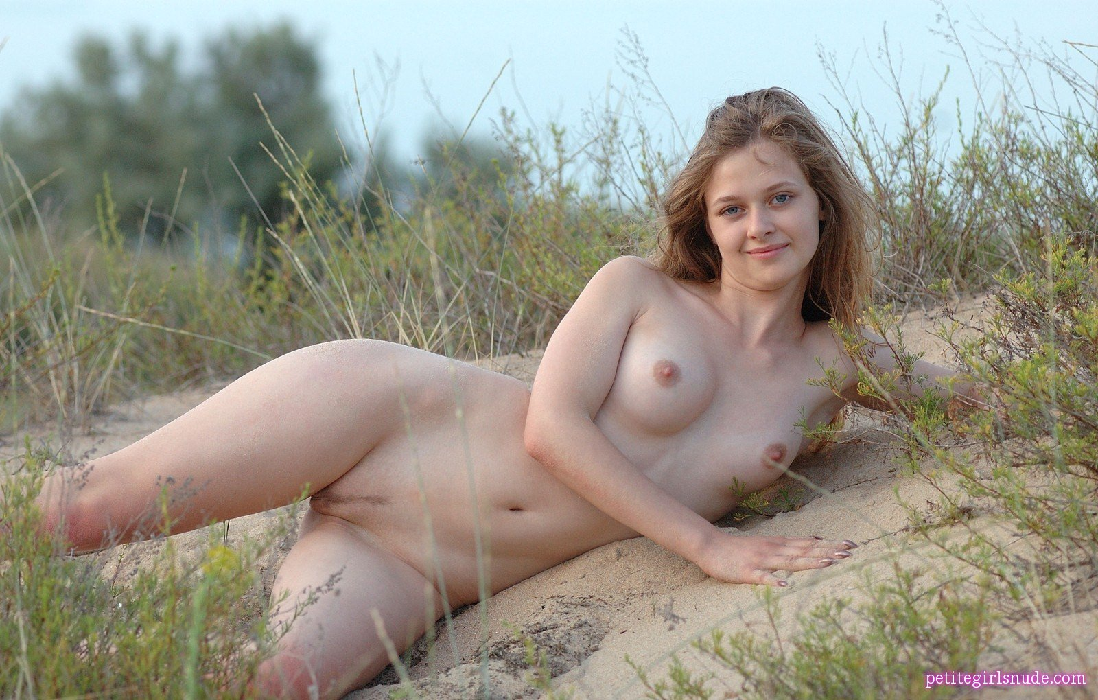 Pretty Juli Nude Pics And Biography - Petite Girls Nude-5636