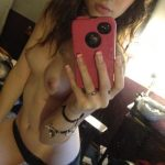 young nude selfies 194